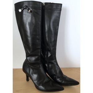 LOUIS VUITTON Black Leather Zip Knee High Boots